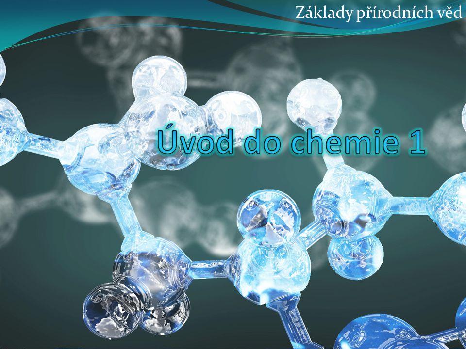 118 prvků, 94 přirozeně Řádky (periody) – prvky vzestupně seřazeny podle protonového čísla Sloupce (skupiny prvků) – prvky se stejným počtem valenčních elektronů (podobné chem.