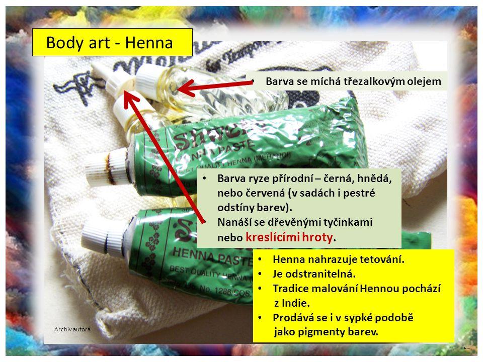 ©c.zuk Body art - Henna Barva ryze přírodní – černá, hnědá, nebo červená (v sadách i pestré odstíny barev). Nanáší se dřevěnými tyčinkami nebo kreslíc