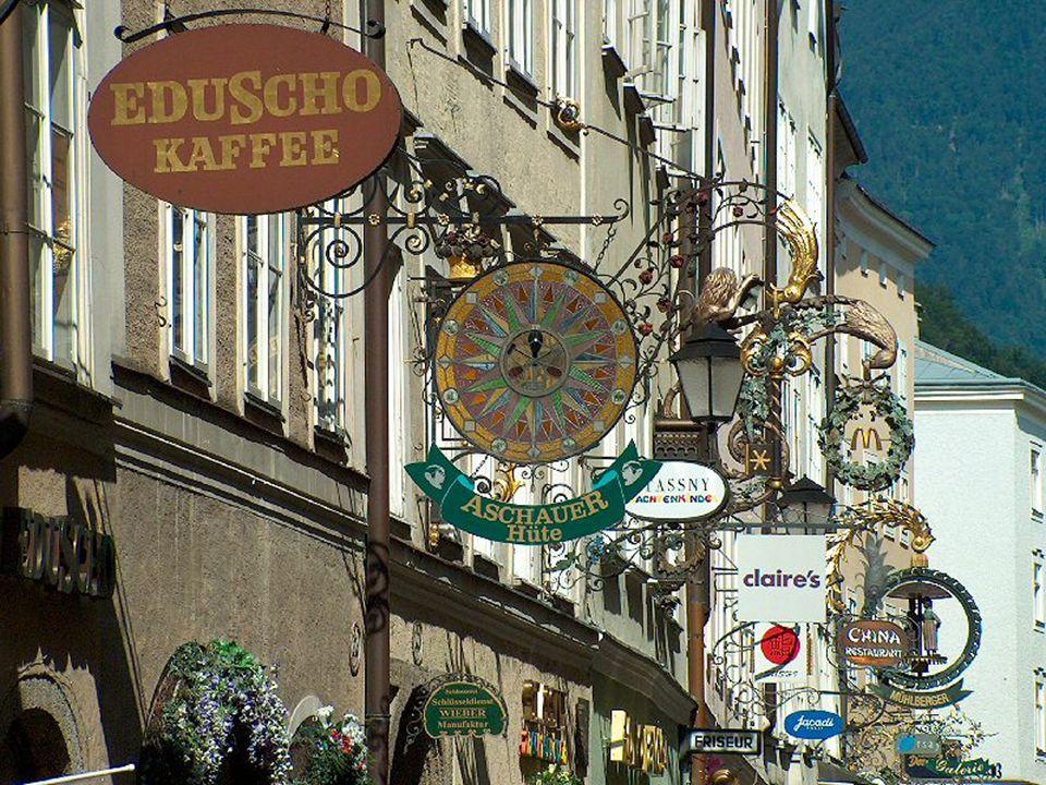Se svými 150.000 obyvateli je Salzburg po Vídni, Štýrském Hradci a Linci čtvrtým největším městem Rakouska. Město je též zváno jako Mozartovo, neboť s