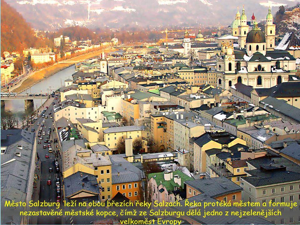 Město Salzburg leží na obou březích řeky Salzach.