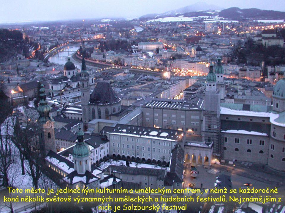 Město Salzburg leží na obou březích řeky Salzach. Řeka protéká městem a formuje nezastavěné městské kopce, čímž ze Salzburgu dělá jedno z nejzelenější