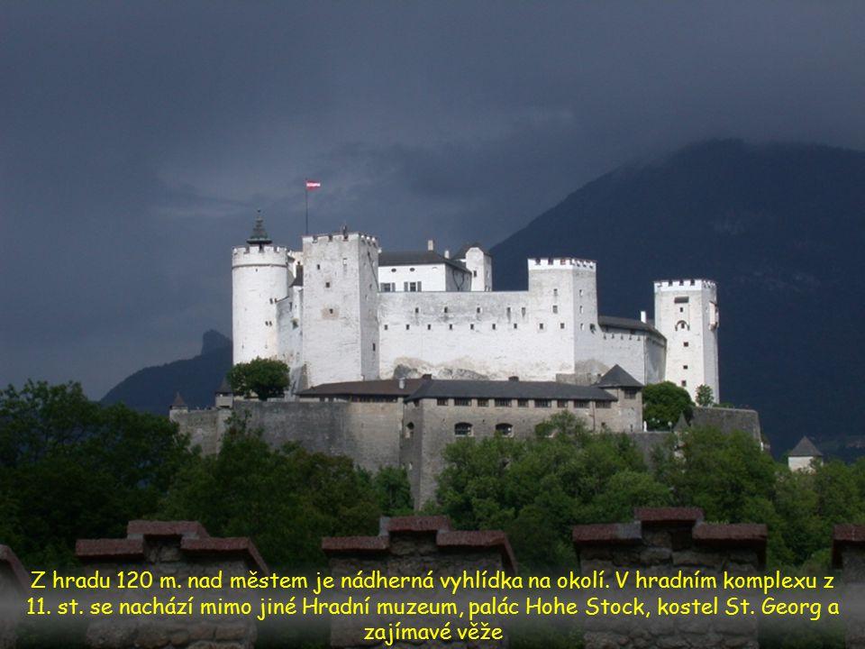 Z hradu 120 m.nad městem je nádherná vyhlídka na okolí.