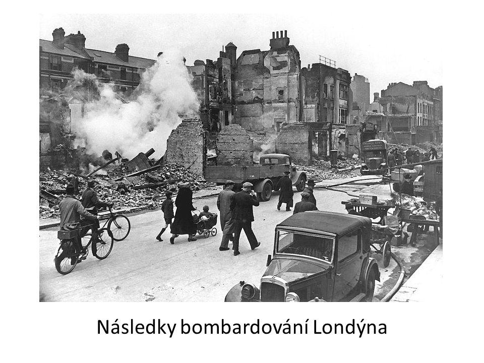 Následky bombardování Londýna