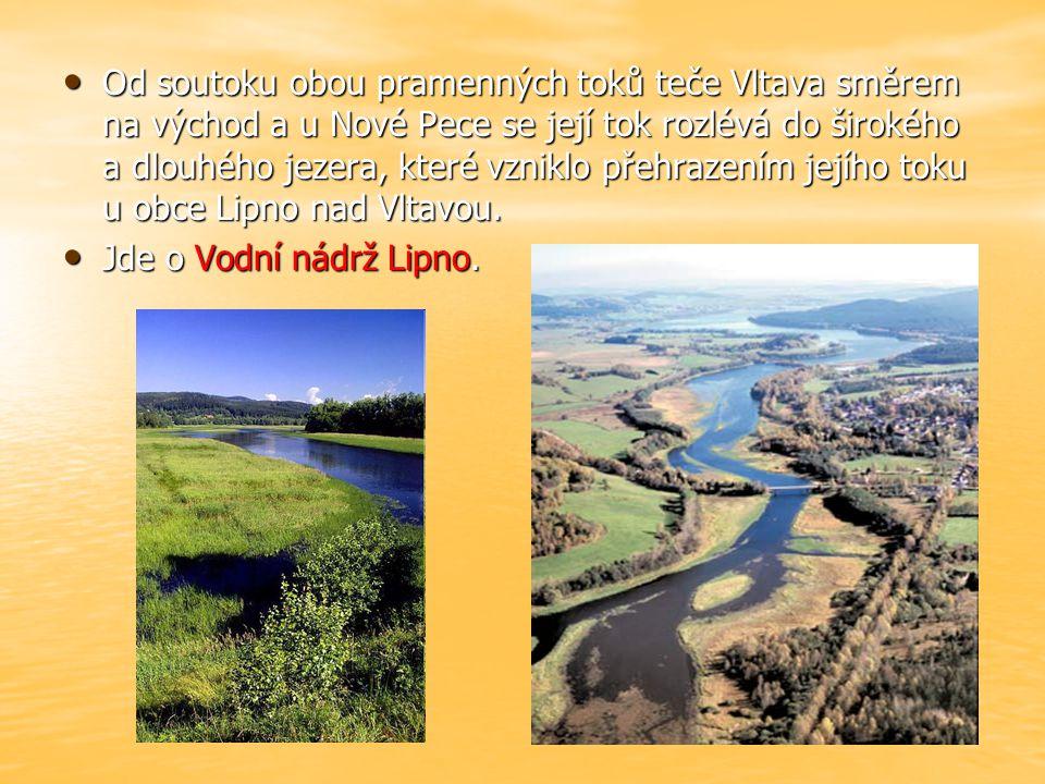 před Prahou přibírá Vltava vody řeky Sázavy a Berounky před Prahou přibírá Vltava vody řeky Sázavy a Berounky zvolna protéká naším hlavním městem zvolna protéká naším hlavním městem míjí spoustu historických památek míjí spoustu historických památek
