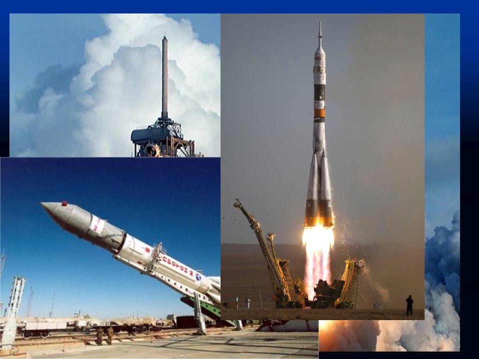 Stavba a struktura  Stavba ISS je uskutečňována za pomoci amerických raketoplánů a ruských raket Proton a Sojuz.  Po spojení Unity a Zarjy docházelo