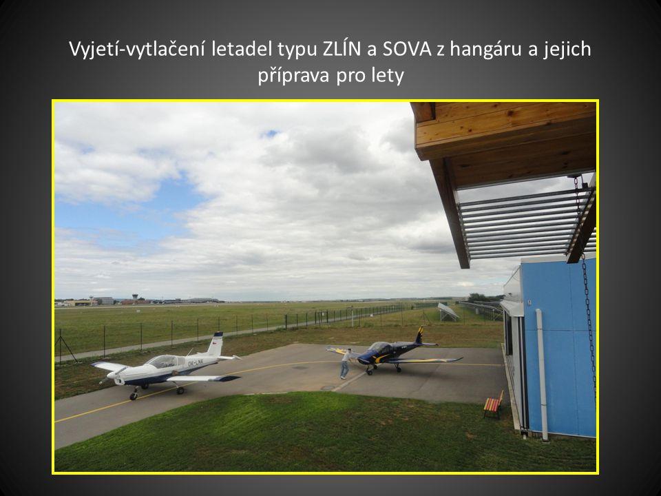 Letouny před hangárem jejich název Brigadýr, Sova a Zlín