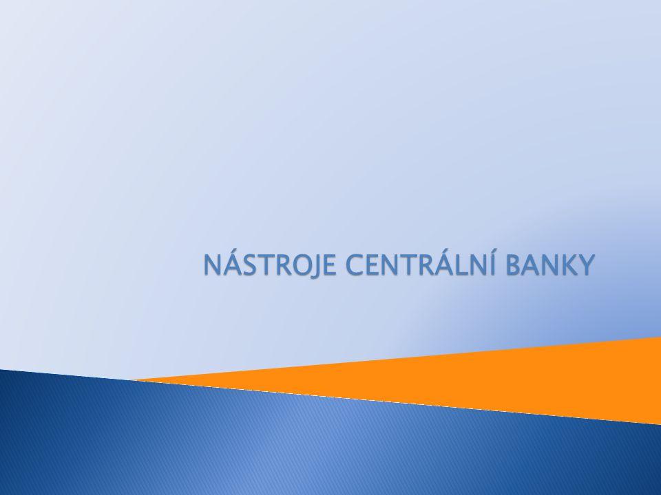  přímé nástroje monetární politiky:  jsou převážně selektivní, adresné, administrativně náročné a tudíž zřídka a pouze přechodně uplatňovány  výhodou je, že se nedají obchodními bankami obejít, centrální banka jimi může ovlivnit monetární bázi a peněžní zásobu a především jimi může zajišťovat stabilitu bankovního sektoru