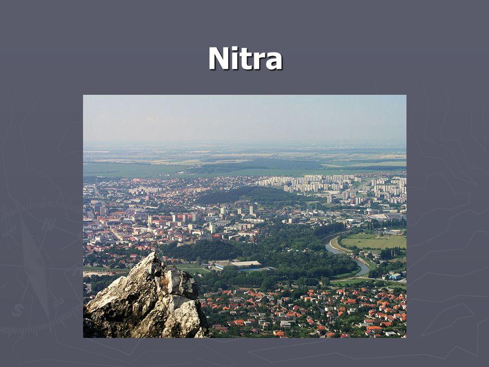 Obecné údaje: Poloha: Nitranský kraj, asi 80 km SV od Bratislavy Rozloha:108 km 2 Počet obyvatel: 84 902 Hustota osídlení: 786 obyvatel/km 2 Nadmořská výška:151 m n.