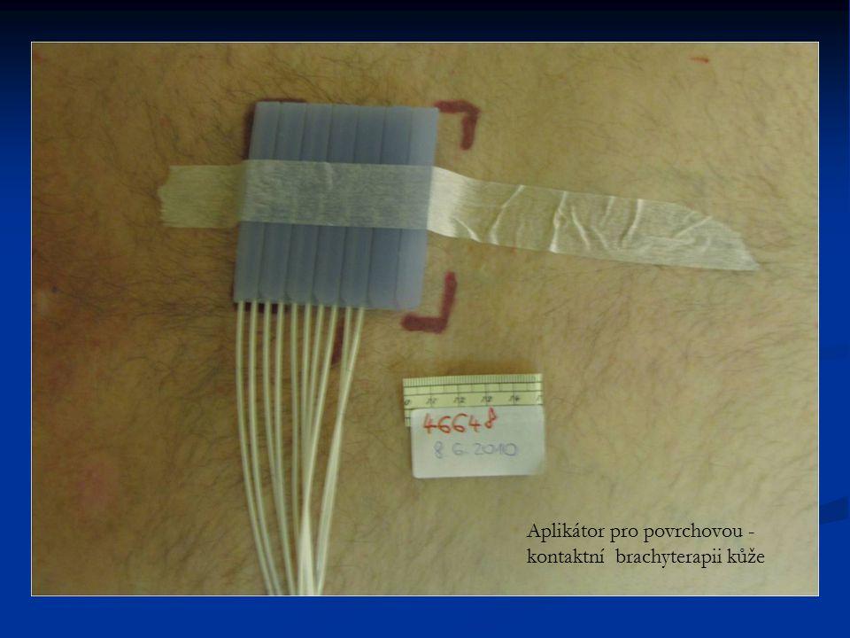 Aplikátor pro povrchovou - kontaktní brachyterapii kůže