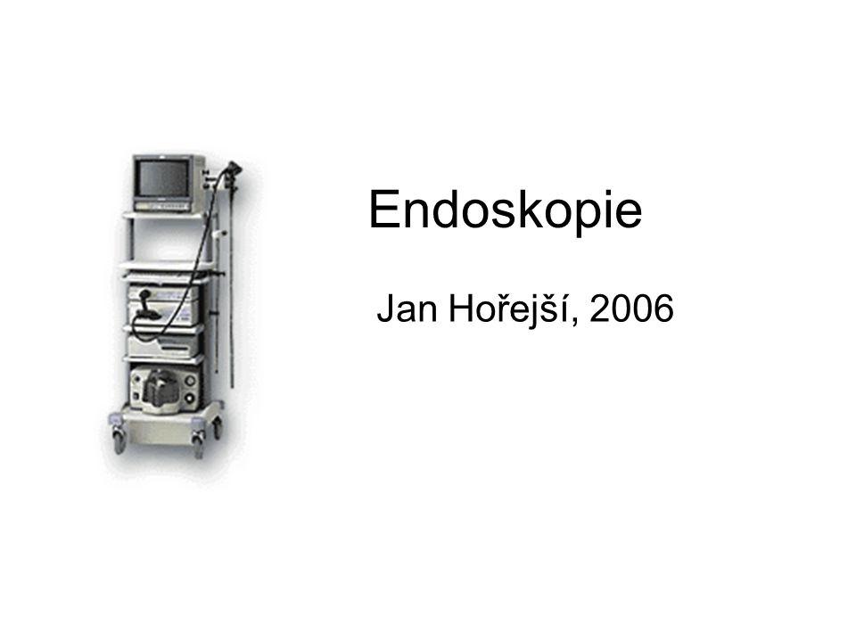 Budoucnost endoskopie Postupný vývoj existujících postupů miniaturizace Obraz zřetelnější, zorné pole větší lepší příslušenství – zavádění endoprotéz tvoření map slizničních změn trojrozměrná rekonstrukce Robotizace a mikroendoskopie (micromachines) Miniaturizace mechaniky a elektroniky Zkoumají se dvě varianty pohybu: - pomocí stlačeného vzduchu (pneumatic inch worm) - pomocí kovu s pamětí (shape memory alloy snake) (ovládání dálkově podobně jako televize)