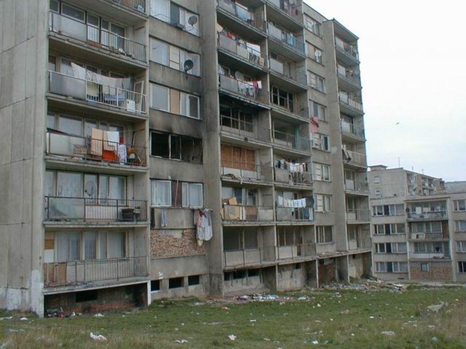 Lehce tedy spočítáme, že každý byt je zadlužen částkou 241 791,-Kč.
