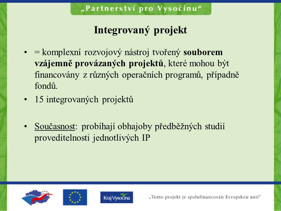 Integrovaný projekt = komplexní rozvojový nástroj tvořený souborem vzájemně provázaných projektů, které mohou být financovány z různých operačních programů, případně fondů.