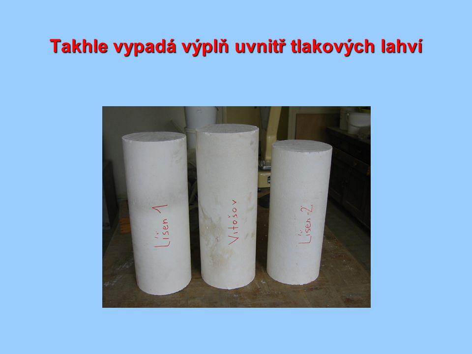 Xonotlit a tobermorit - hlavní složky hmoty xonotlit C 6 S 6 H vláknité krystaly tobermorit C 5 S 6 H 5 destičkovité krystaly