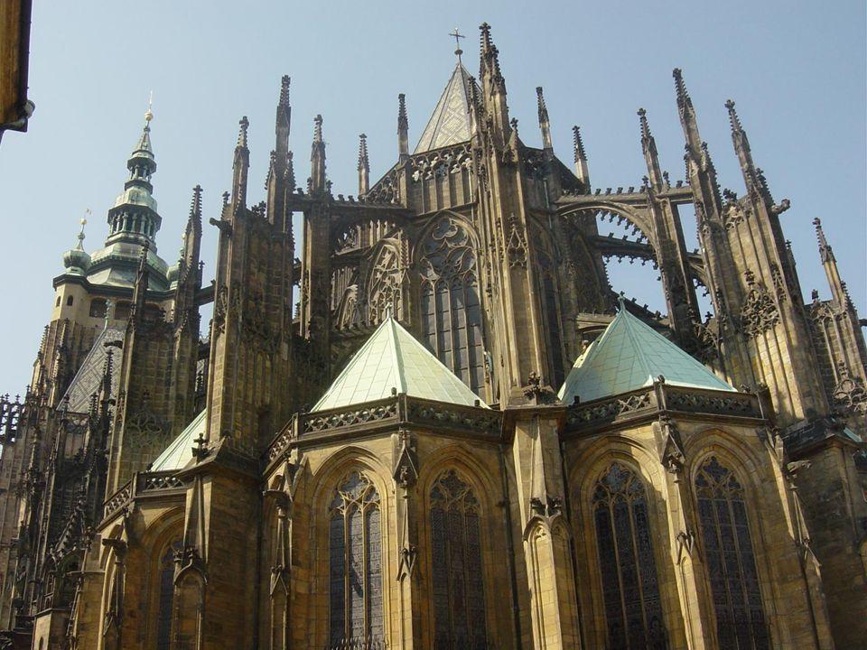 Katedrála svatého Víta je největším a nejvýznamnějším pražským chrámem. Kromě bohoslužeb se zde odehrávaly i korunovace českých králů a královen. Je m