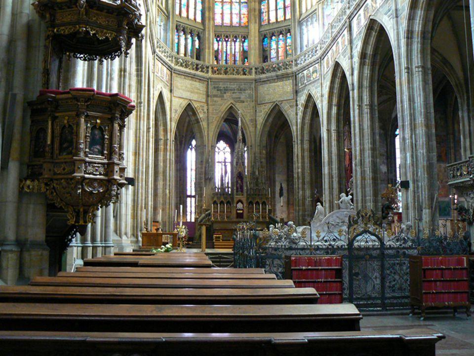 Chrlič na chrámu sv. Víta. Jeden z architektonických detailů
