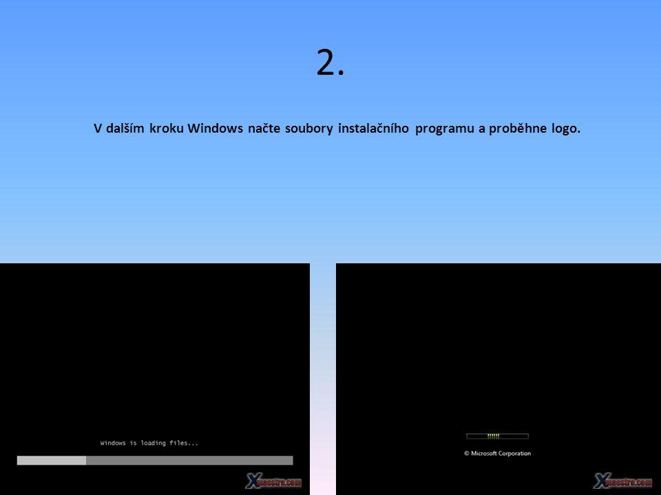 2. V dalším kroku Windows načte soubory instalačního programu a proběhne logo.