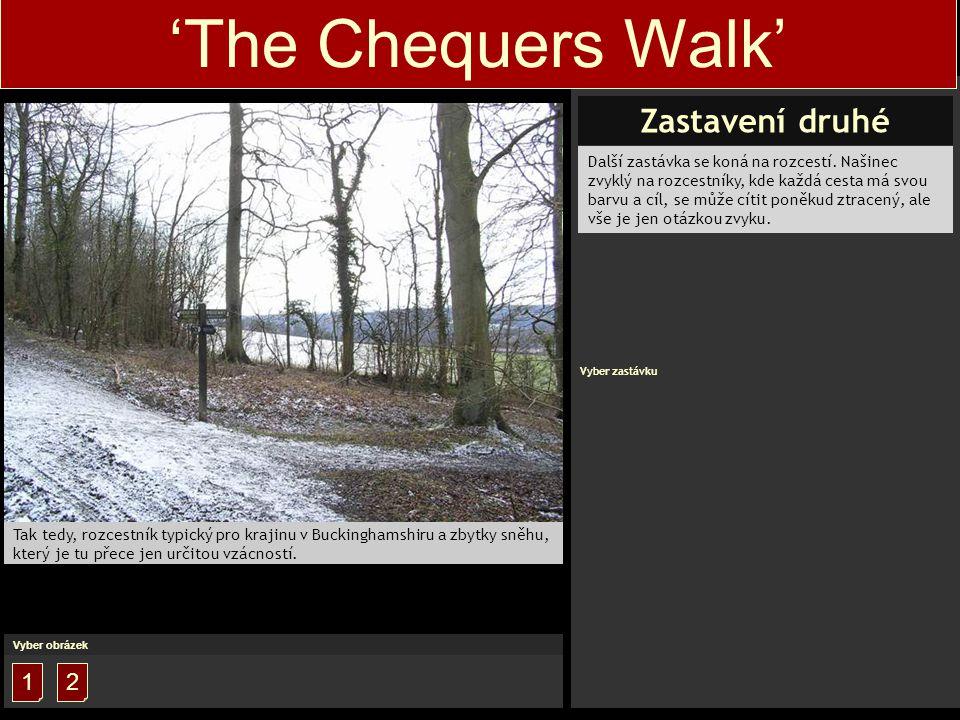 'The Chequers Walk' Bližší pohled na rozcestník.