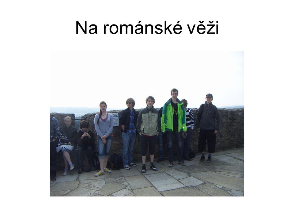 Na románské věži