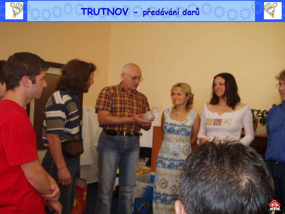TRUTNOV - předávání darů