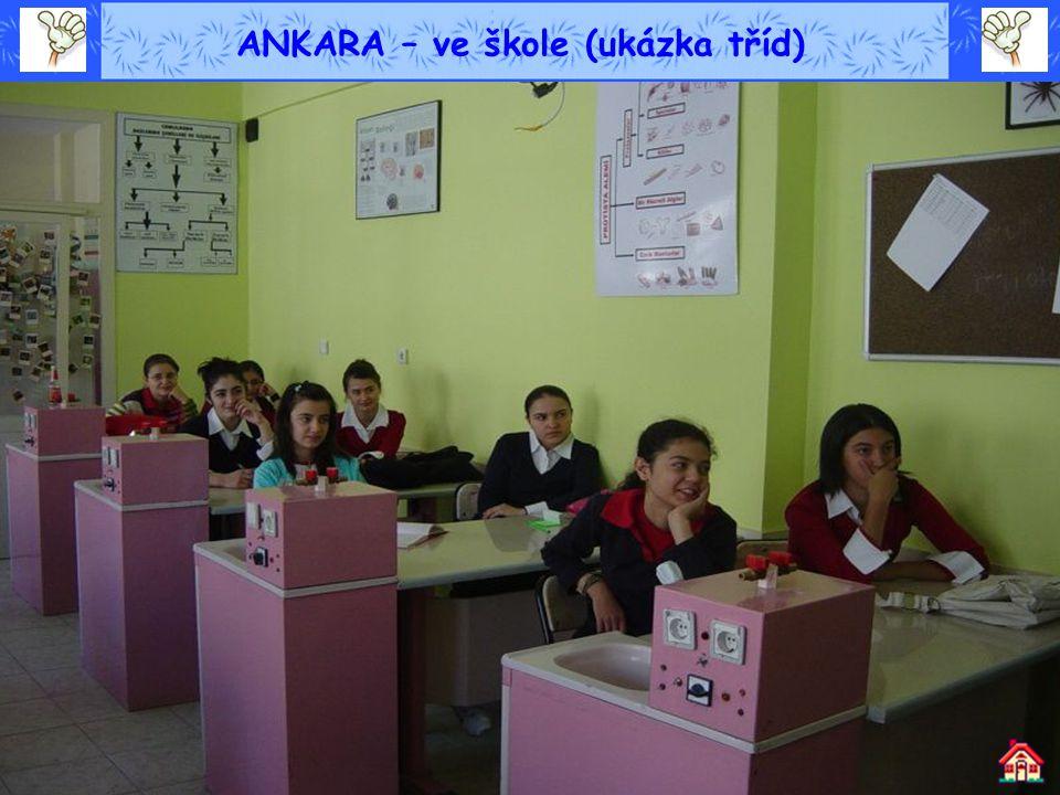 ANKARA – ve škole (ukázka tříd)