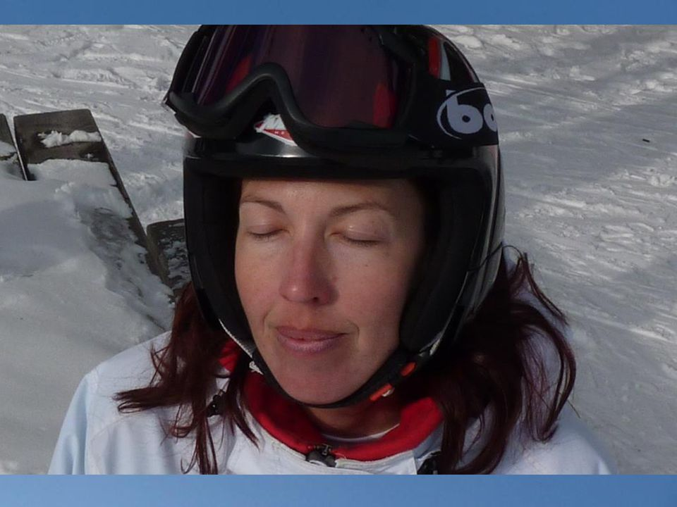 Kdo chce vidět jak lyžuje Helča ať klikne sem Kdo chce vidět jak prknuje Kájuška ať klikne sem