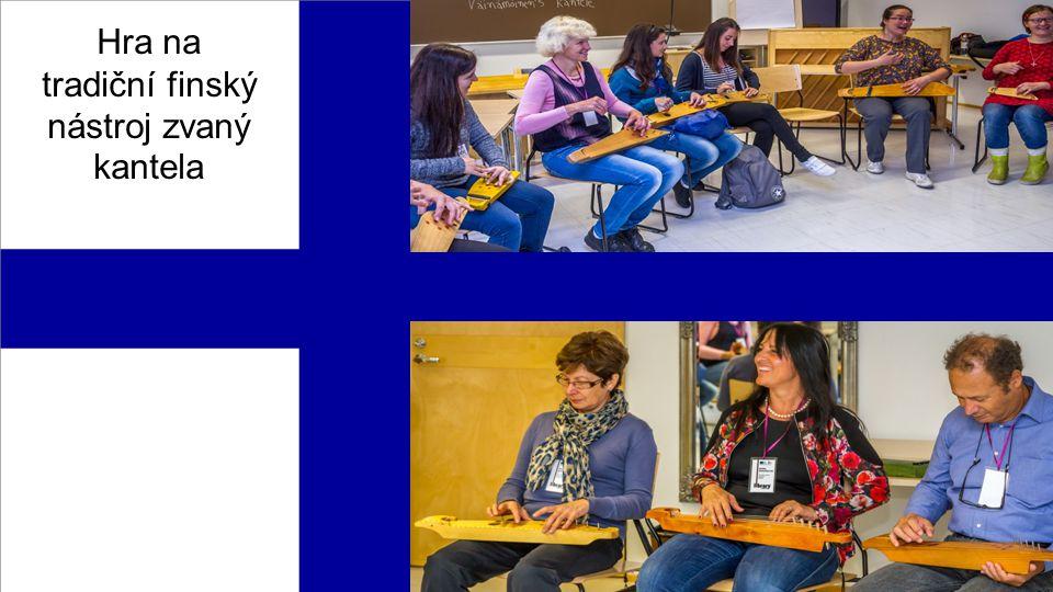 Hra na tradiční finský nástroj zvaný kantela