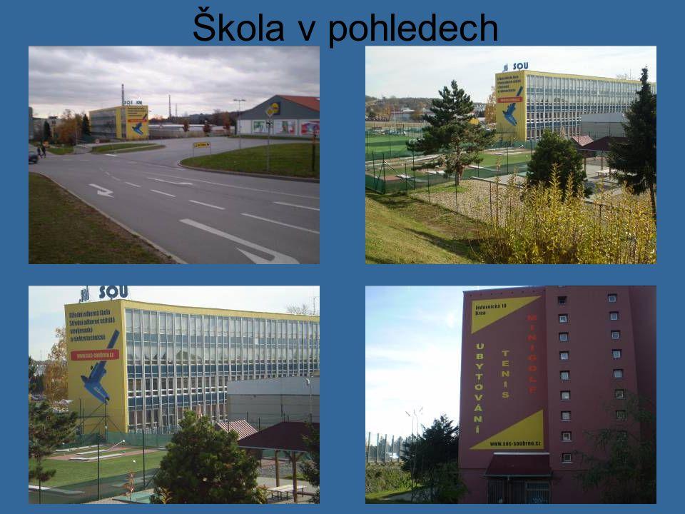 Vstup do školy Trnkova 113