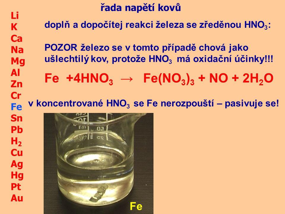 reakce chemie železa 2KMnO 4 +10FeSO 4 +8H 2 SO 4 → 2MnSO 4 +K 2 SO 4 +5Fe 2 (SO 4 ) 3 + 8H 2 O železnaté sloučeniny mají redukční účinky,samy se oxidují: Fe II+ - e - → Fe +III vyjádři iontově oxidaci železnatých iontů: