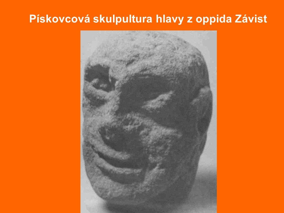 Pískovcová skulpultura hlavy z oppida Závist