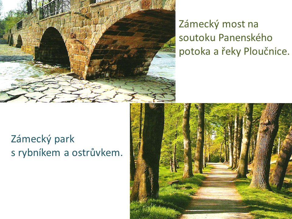 Zámecký most na soutoku Panenského potoka a řeky Ploučnice. Zámecký park s rybníkem a ostrůvkem.