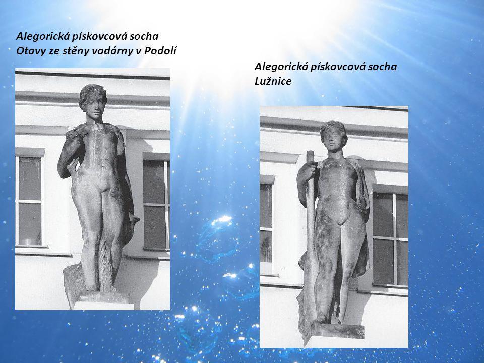 Alegorická pískovcová socha Otavy ze stěny vodárny v Podolí Alegorická pískovcová socha Lužnice