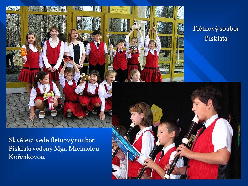 Základní škola Žulová Základní škola má moderní vybavení a její žáci dosahují ve výuce a sportu velmi dobrých výsledků. Škola se může pochlubit jednou