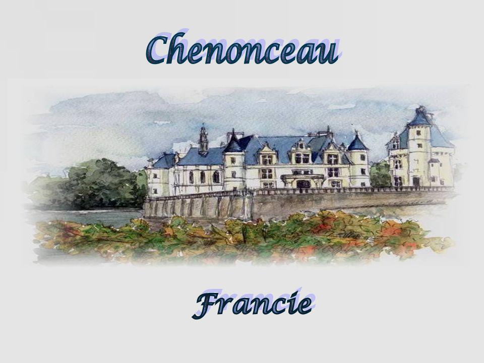 Chenonceau má dv ě : zahradu Diane de Poitiers a Kate ř iny Medicejské Ob ě dv ě, se nacházejí podél Tour de Marques.