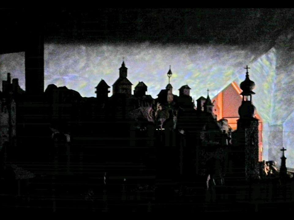 Dojem z návštěvy betléma v Horní Lidči je nevšední.Usedli jsme do zcela temné místnosti.