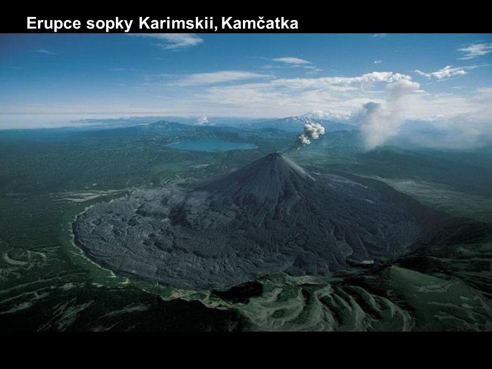 Erupce sopky Karimskii, Kamčatka