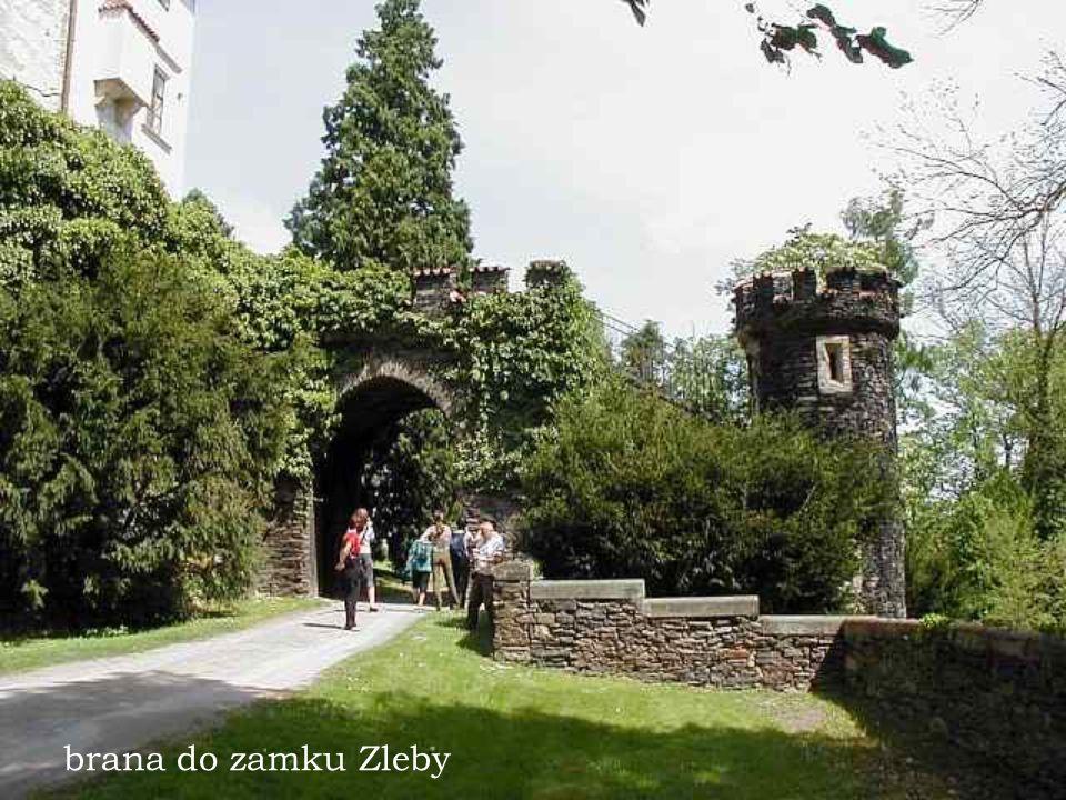 zamek Detenice