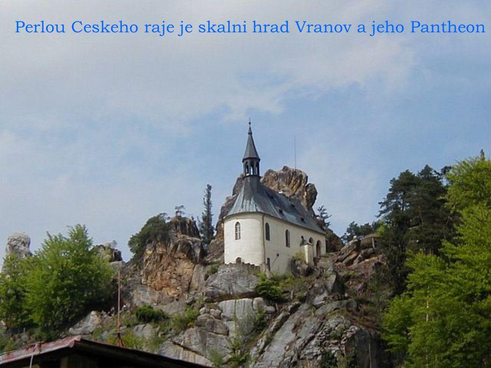 hrad Vranov a jeho Pantheon Pantheon perlou Ceskeho raje