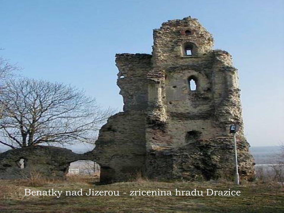 Benatky nad Jizerou - zricenina hradu Drazice