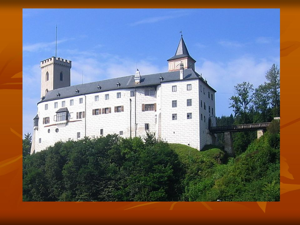 Složení hradu Horní hrad Horní hrad -šlo o samostatný hrad- nebyl propojen s dolním hradem -gotický palác - věž Jakobínka