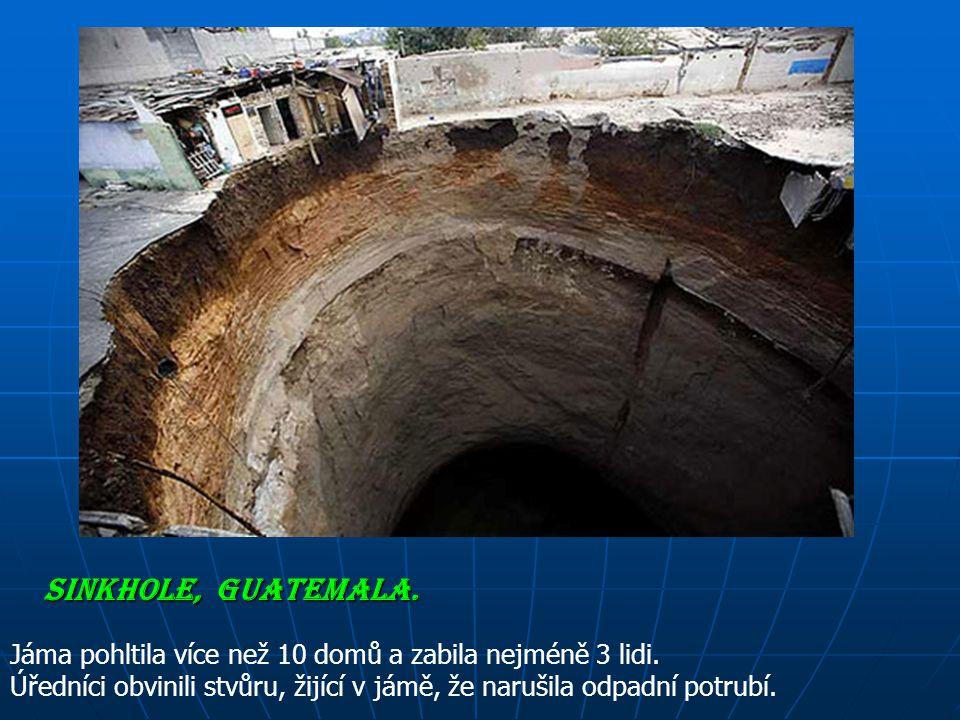 Propadliště vzniklo nadměrným vsakováním vody (obvykle dešťové nebo odpadních vod) do země a důsledkem toho se půda propadla do hloubky.
