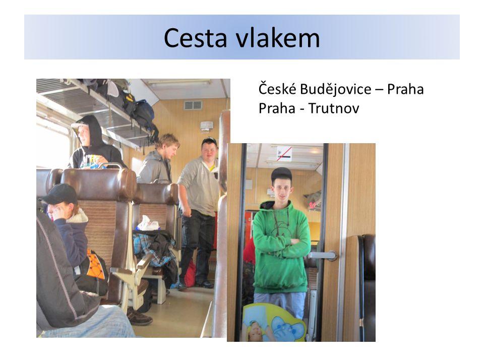 …pokračujeme autobusem Trutnov – Horní Malá Úpa Kvůli kalamitě trvala cesta o 2 hodiny déle.
