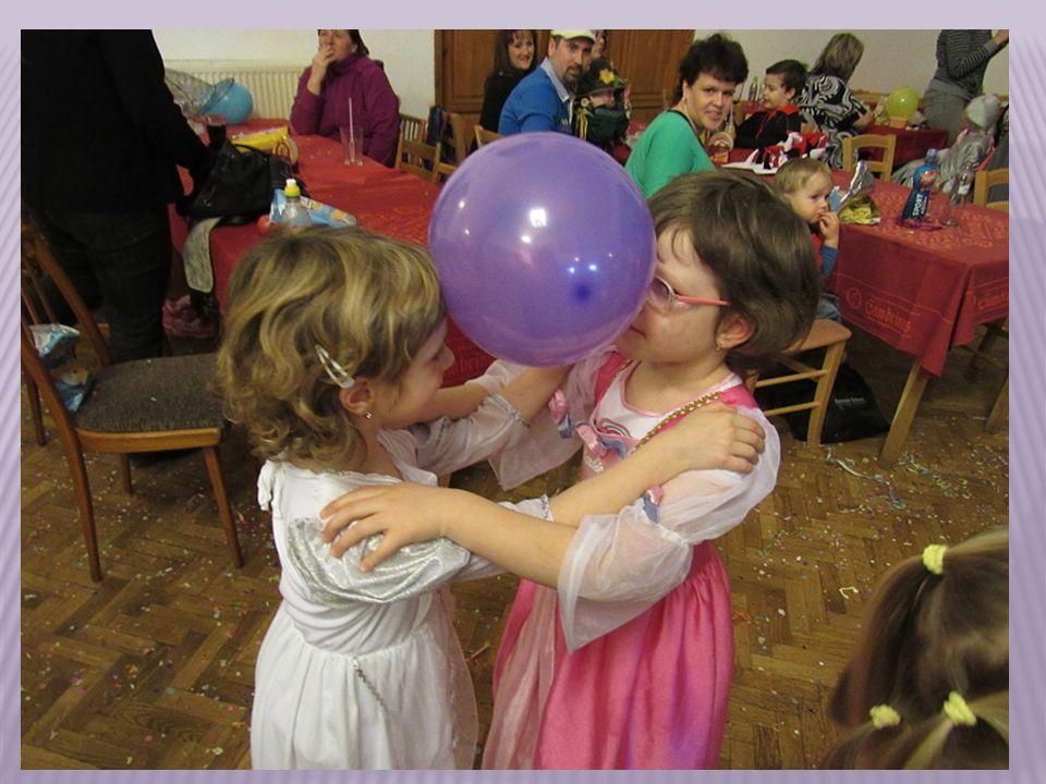 Legrace byla i s balonky, hlavně když praskly