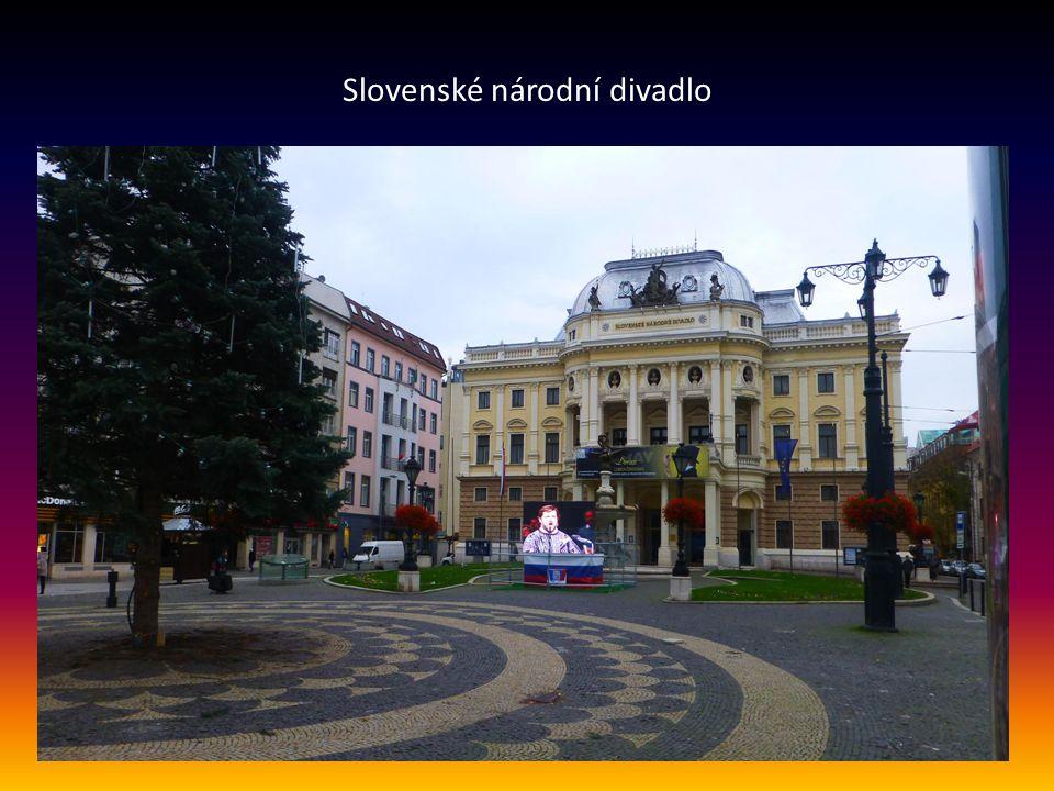 Čumil je jedna z nejznámějších soch a atrakcí v centru města