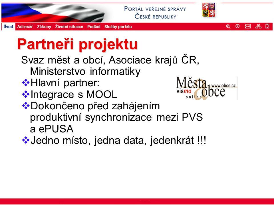 Portál veřejné správy © 2002 IBM Corporation ISSS 2003 Svaz měst a obcí, Asociace krajů ČR, Ministerstvo informatiky  Hlavní partner:  Integrace s M