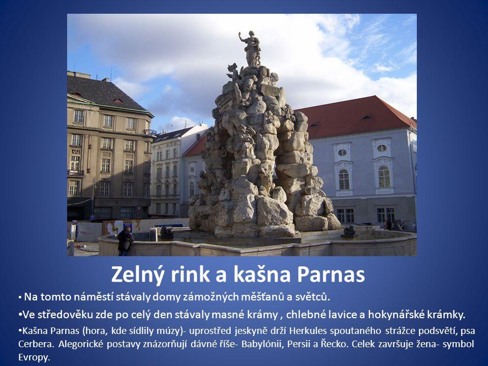 Zelný rink a kašna Parnas Na tomto náměstí stávaly domy zámožných měšťanů a světců.
