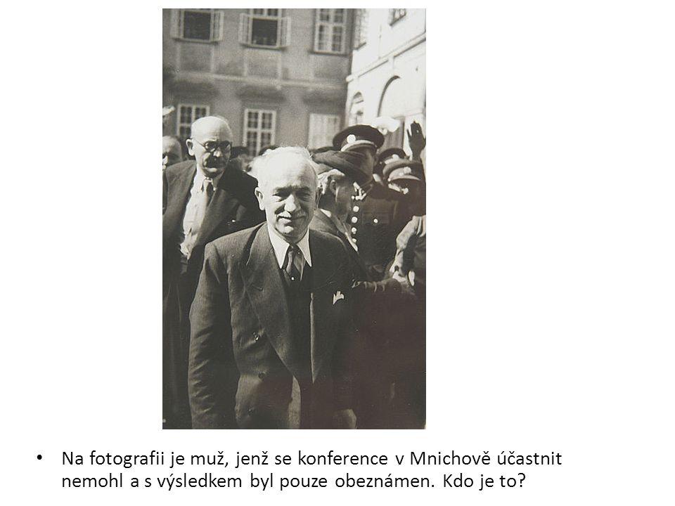 """Na fotografii z průběhu konference vidíme představitele mocností, kteří rozhodli – """"O nás, bez nás ."""