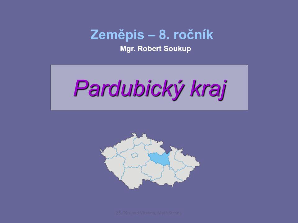 průmysl: - chemický (SYNTHEZIA Pardubice - barviva, semtex, PARAMO Pardubice - petrochemie)průmysl: - chemický (SYNTHEZIA Pardubice - barviva, semtex, PARAMO Pardubice - petrochemie) - energetický (tepelné elektrárny - Chvaletice, Opatovice) - potravinářský (Pardubice - perník) - strojírenský (KAROSA Vysoké Mýto – autobusy) zemědělství: - má v tomto kraji velmi dobré podmínky (50 % orné půdy)zemědělství: - má v tomto kraji velmi dobré podmínky (50 % orné půdy) - v Polabí se pěstuje: pšenice, kukuřice na zrno, cukrová řepa a některé druhy zeleniny či ovoce - Pardubicko je nejvýznamnější oblastí v chovu koní cestovní ruch: historické památky: - Památka UNESCO Litomyšlcestovní ruch: historické památky: - Památka UNESCO Litomyšl hrady a zámky: - Kunětická Hora (leží na vyhaslé sopce) hrady a zámky: - Kunětická Hora (leží na vyhaslé sopce) - hrad Svojanov sportovní akce: - Velká Pardubická (dostihy) sportovní akce: - Velká Pardubická (dostihy) - Zlatá Přilba (motocykly – plochá dráha) ZŠ, Týn nad Vltavou, Malá Strana