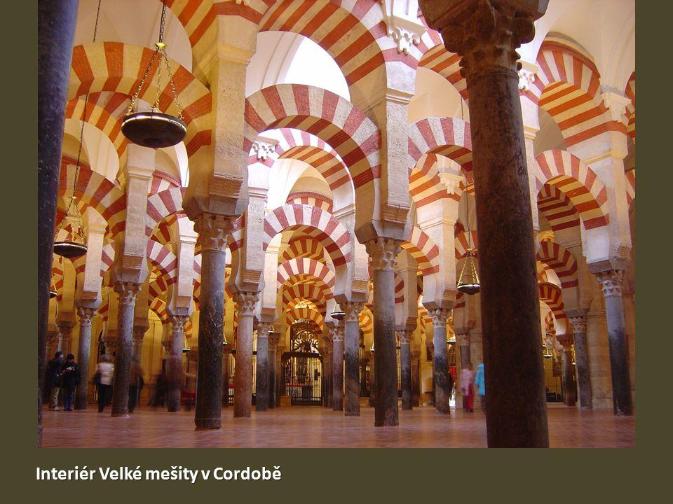 Interiér Velké mešity v Cordobě
