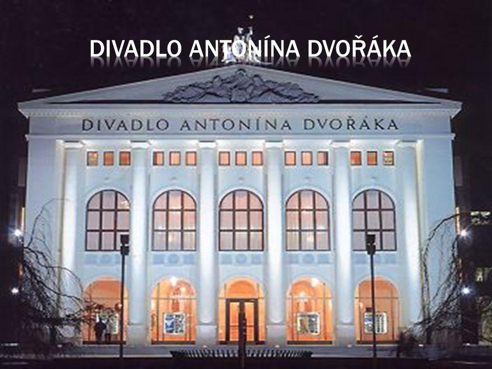 Měli jsme možnost navštívit umělecké,krejčovské,čalounické zámečnické dílny divadla Antonína Dvořáka
