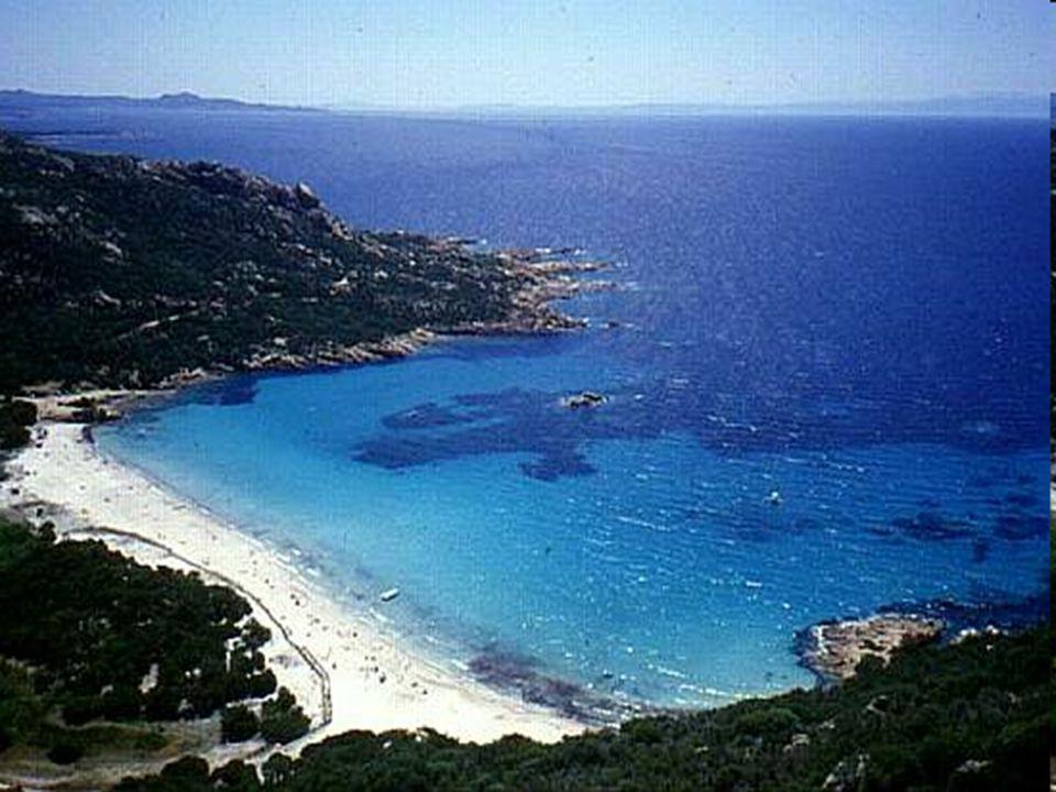 Historie První záznamy o osídlení ostrova pocházejí z dob antického Řecka, kdy byl ostrov osídlen Řeky, Etrusky a Kartaginci.